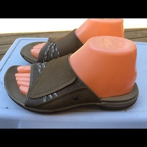 Merrell Aliminum Women's Tan Slide On Sandals SZ8
